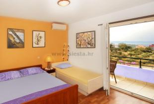Room Lipa No 2 Makarska three persons
